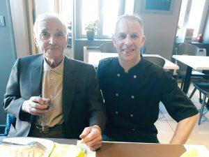 Charles Aznavour - restaurant époisses